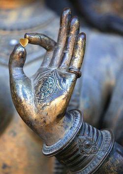 Yin yoga teacher training merging in a mandala vinyasa 200 hours. Join us soon in March 2020